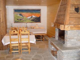 Bright 6 bedroom Condo in Bessans - Bessans vacation rentals