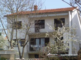 Apartment Olga for 4/5 people - Malinska vacation rentals