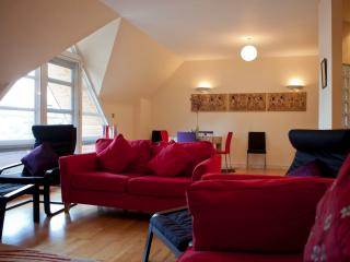 2 Bed Penthouse in Central Ipswich, with parking - Ipswich vacation rentals