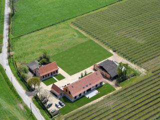 Nice Farmhouse Barn with Internet Access and Central Heating - Sint-Gillis-Waas vacation rentals