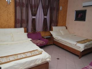 Deluxe Twin - 2 Queen Beds @Ella Holiday inn - Ipoh vacation rentals