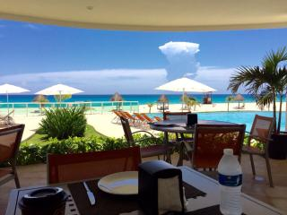 Lovely Cancun Condo Beachfront 4/4 - Cancun vacation rentals