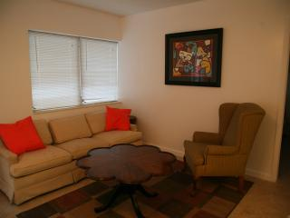 Nice 1 bedroom Condo in North Miami Beach - North Miami Beach vacation rentals