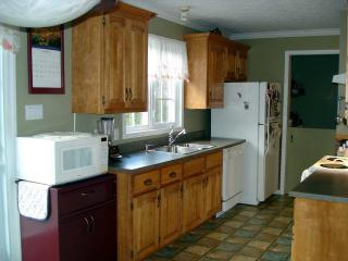 5 bedroom House with Internet Access in Magog - Magog vacation rentals