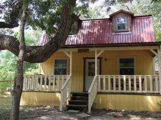 Mendelbaum Winery- Cabin- Olive - Fredericksburg vacation rentals