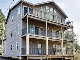 Spacious Four-Bedroom Home Close To Beach And Attractions! - Lincoln City vacation rentals