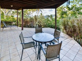 Gorgeous 4 bedroom Hamilton Island Villa with A/C - Hamilton Island vacation rentals