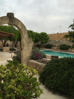 B&B Antica Dimora Giardini Segreti- Donna Giovanna - Giuggianello vacation rentals
