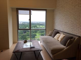 Prime 1BR condo in The Fort, BGC - Taguig City vacation rentals