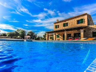 Chalet with private pool located in Es Llombards - Es Llombards vacation rentals