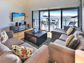 Bright 2 bedroom Vacation Rental in Hamilton Island - Hamilton Island vacation rentals