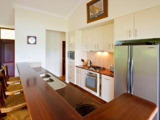 Bright Villa with A/C and Television - Hamilton Island vacation rentals