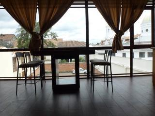 Suite in the center of Cuenca 1 - Cuenca vacation rentals