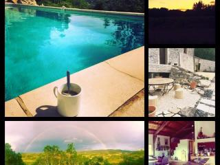 La Cloche Qui Rit /maison(12p)+gîte(6p)+gîte(4p) - Balazuc vacation rentals