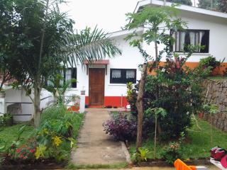 Nice Villa with Balcony and Parking - La Misere vacation rentals