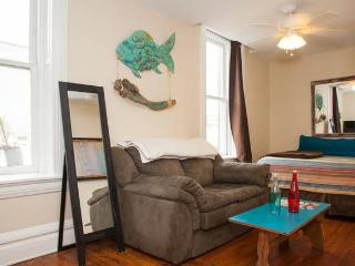 Urban Condo in Heart of Historic Downtown 1/2 Bloc - Wilmington vacation rentals