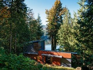 83MF Spectacular Dream Home overlooking Silver Lake - Maple Falls vacation rentals