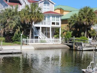 Canal Waterfront-6BR-Golf Cart,Kayak,Pool-37Moore - Ocean Isle Beach vacation rentals