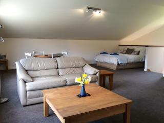 Glenorchy Mountain View Apartment - Glenorchy vacation rentals