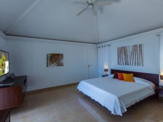 2 bedroom Villa with Private Outdoor Pool in Colombier - Colombier vacation rentals