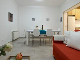 QUIJOTE with large terrace, 5 minutes from beach - Sitges vacation rentals