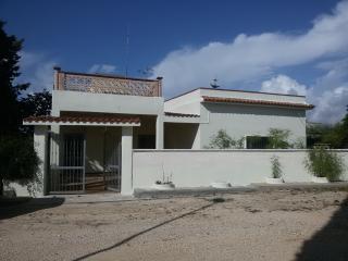 Casa vacanza  con giardino (Urmo belsito) - Avetrana vacation rentals