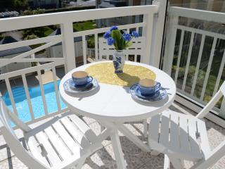 Sunny Bright Condo With Pool, Close To The Ocean - Dinard vacation rentals
