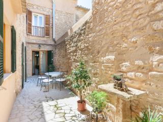 Charming House with Internet Access and Dishwasher - Alcudia vacation rentals