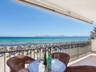 Ones - Playa de Muro vacation rentals