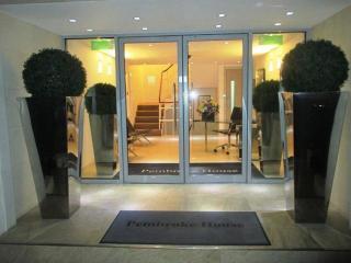 Lovely 2 Bedroom Apartment near Knightsbridge - London vacation rentals