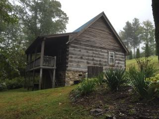 Cozy 2 bedroom Meadows of Dan Cabin with Deck - Meadows of Dan vacation rentals