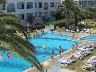 Apartamento E 4-4 2º C - Santa Barbara de Nexe vacation rentals