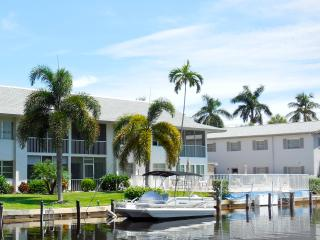 Waterfront Condo in Oyster Bay Beautiful renovated - Naples vacation rentals