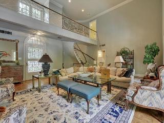 Old Hollywood Estate on the Lake with Private Pool, 3BR sleeps 7 - Austin vacation rentals