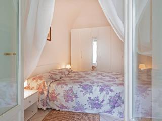 Piccolo e intimo appartamento in Dogliani centro - Dogliani vacation rentals