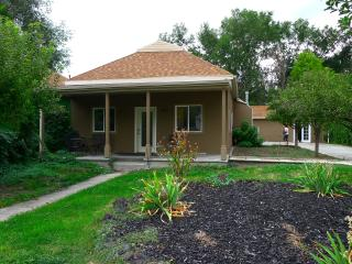 4 bedroom 2 bath bungalow sleeps 8 downtown - Salt Lake City vacation rentals