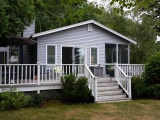 Crooked Lake Cottage - 2 Day rentals available! - Petoskey vacation rentals