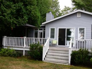Crooked Lake Cottage - 2 Day rentals - $165/Night! - Petoskey vacation rentals