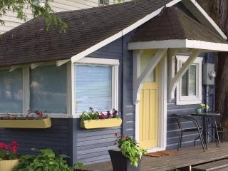 Adorable Cabin Steps to Lake Simcoe - Innisfil vacation rentals