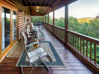 Discover this stunning cabin rental located in the hills only two miles from downtown Blue Ridge. A large, spacious 4 bedroom with scenic mountain views. - Blue Ridge vacation rentals