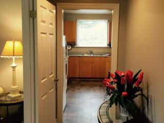 Lovely 2 bedroom House in Welland - Welland vacation rentals