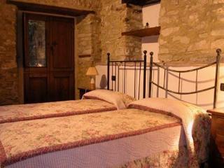 Bright 3 bedroom Ferentillo Condo with Television - Ferentillo vacation rentals