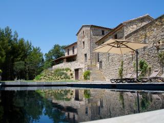 Torricella, Villa in Umbria, Stunning views, pool - Morra vacation rentals