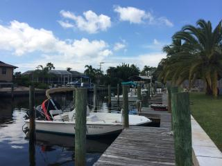 Townhome on the Canal with Boat Slip near Anna Maria Island! - Bradenton vacation rentals