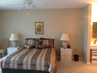 3 bedroom Apartment with Internet Access in Naples Park - Naples Park vacation rentals