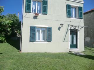ALTA VIA RELAX  short lets // affitti brevi - Mignanego vacation rentals