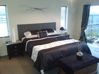 Devine Bed and Breakfast with Private Spa - Christchurch vacation rentals
