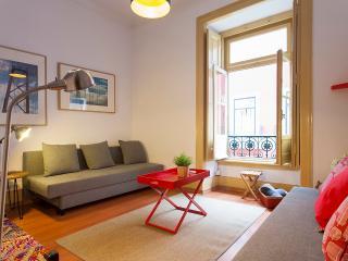 ROSSIO 3 BEDROOMS APARTMENT UP TP 12 GUESTS - Lisbon vacation rentals