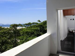 Rio026 - Apartment in Copacabana with balcony and sea view - Copacabana vacation rentals
