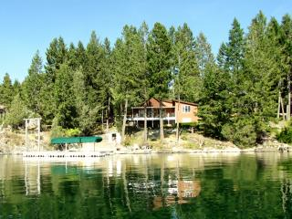 Grandma's Cabin in the Woods on the lake! - Rollins vacation rentals